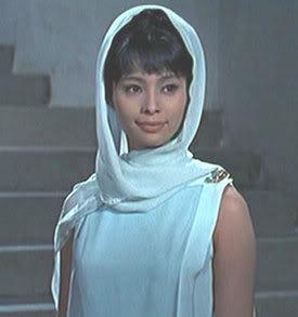 Akiko Wakabayashi as Aki