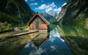 wooden_houses_lakes_mountains_