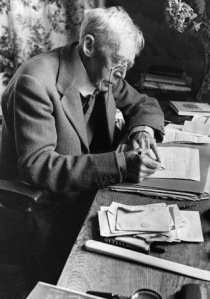 December 1943, Cornwall, England, UK --- Sir Arthur Quiller-Couch --- Image by © Hulton-Deutsch Collection/CORBIS