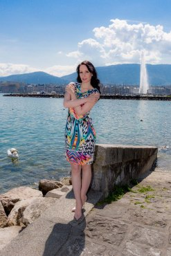 Ana-Alcazar-Summer-Dress-Colorful-Geneva-Jet-Deau-Fashionlook-003