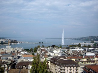 Jet_d'Eau_-_Geneva_-_Switzerland_-_September_2005_-_03