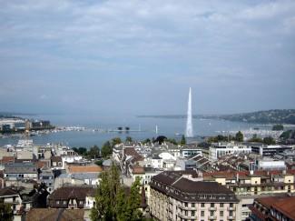 Jet_d'Eau_-_Geneva_-_Switzerland_-_September_2005_-_03